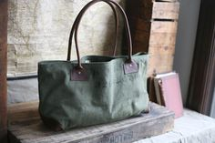553bd7519e81 Foretsbound WWII era Canvas and Leather Carryall Duffel Bag