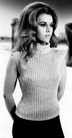 Jane Fonda On The Set Of Barbarella 1968 - un poquito más guapa, y explota