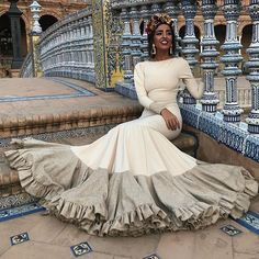 Flamenco Costume, Flamenco Skirt, Flamenco Dresses, Modest Dresses, Nice Dresses, Formal Dresses, Black Dancers, Spanish Style, Traditional Outfits