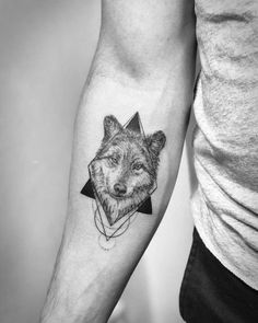 60 Amazing Wolf Tattoos – The Best You'll Ever See - Tattoo İdeas Tribal Tattoo Designs, Tribal Arm Tattoos, Wolf Tattoo Design, Tattoo Designs For Women, Tattoos Phönix, Mini Tattoos, Body Art Tattoos, Fox Tattoo, Tattoo Motive
