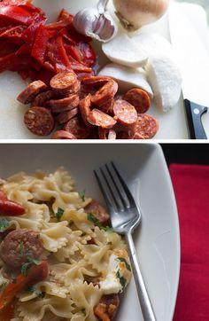 (ᵔᴥᵔ)15 MINUTE CHORIZO & ROASTED RED PEPPER PASTA - Erren's Kitchen