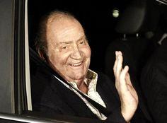 El Rey abandona el hospital: 'Voy a tomarme mi recuperación con más calma' #realeza #casareal #royals