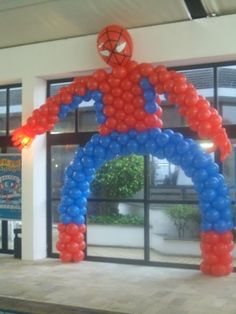 An ideal display for children's party, especially boys who would LOVE the Spiderman theme. Superhero Birthday Party, 4th Birthday Parties, Birthday Ideas, Party Decoration, Balloon Decorations, Spiderman Theme, Spiderman Balloon, Festa Party, Holidays And Events