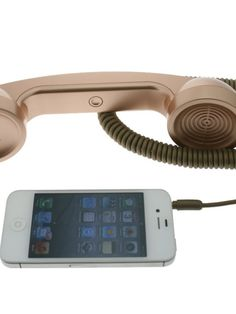 Our Retro handset allows talking on the phone the old-fashioned style Works with cellular calls and Skype / VoIP calls Answer/end button and volume control (for phones that support this feature) Soft-touch rubberized matte finish handset Compatible with cell phones, smartphones, iPad and tablet device that's equipped with a standard 3.5mm headphone jack.