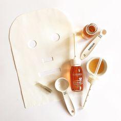 COLLAGEN VLIES TREATMENT  Durch eine Behandlung mit reinem Collagen wird die Spannkraft und Elastizität der Haut verbessert.  TIPP  Als Effektbehandlung vor einem Abend Make-Up. Die Haut wirkt noch 6 Stunden nach der Behandlung bis zu 30% glatter.  #BeautyAndStyleHamburg #Klosterstern #040 #Beauty #BeautyBlog #BeautyBlogger #Blogger #InstaBeauty #BeautyCare #BeautyProduct #SkinCare #Cosmetics #Collagen #CollagenVliesMaske #CollagenVlies #Treatment #Facial #FacialMask #AntiAging #DegenerAging