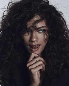Marina Nery by (Ph. Pretty People, Beautiful People, Marina Nery, Curly Hair Styles, Natural Hair Styles, Piel Natural, Female Character Inspiration, Aesthetic People, Mannequins