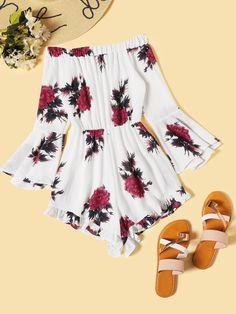 Shop Floral Print Off The Shoulder Flounce Sleeve Playsuit at ROMWE, discover more fashion styles online. Summer Outfits For Teens, Teenage Outfits, Cute Teen Outfits, Cute Comfy Outfits, Summer Fashion Outfits, Pretty Outfits, Stylish Outfits, Crop Top Outfits, Short Outfits