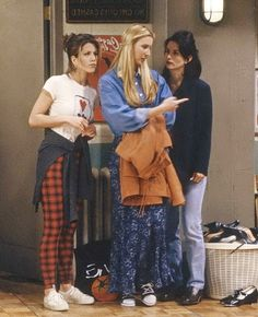 34 Rachel Green Fashion Moments You Forgot You Were Obsessed With on Friends Rachel Green Friends Fashion – Rachel Green's Best Outfits on Friends Tv: Friends, Friends Mode, Friends Cast, Friends Moments, Friends Tv Show, Rachel Friends, Monica Friends, Rachel From Friends Outfits, 3 Best Friends