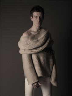 JILLIAN CARROZZA, CENTRAL SAINT MARTINS 10 GRADUATE COLLECTION: detective mcnulty look-alike wearing gravely serious knitwear = sexiest thing ever.