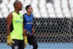 BotafogoDePrimeira: Gatito fica fora de jogo contra o Atlético-MG, e J...
