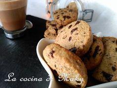 La cocina de Maky: GALLETAS DE COCO CON CHOCOLATE