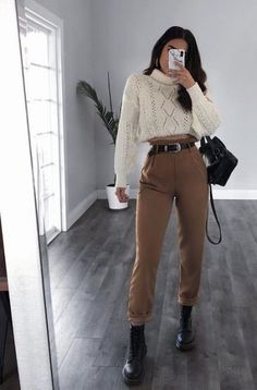 trendy outfits for summer . trendy outfits for school . trendy outfits for women . Winter Mode Outfits, Winter Fashion Outfits, Spring Outfits, Hipster Outfits Winter, Ootd Winter, Fall Winter, Autumn Cozy, Cute Casual Outfits, Stylish Outfits