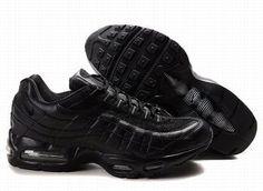 Nike Air Max 95 Mens Black Trainers UK