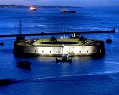 Forte São Marcelo - Popularmente conhecido como Forte do Mar, é uma edificação construída no mar da Baía de Todos os Santos e um ponto turístico de Salvador.