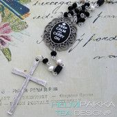 Musta Keep Calm rukousnauha 40€ #rukousnauha #rosario #usko #rakkaus #risti #kristinusko #helmipaikka