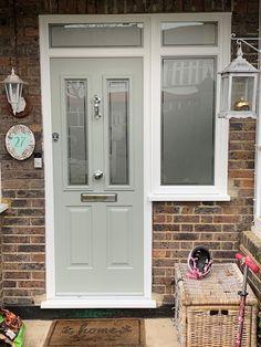 Ludlow Solidor Composite Door in Painswick Green and Victorian Etch Georgian Doors, Victorian Front Doors, Cottage Front Doors, House Front Door, House Entrance, Entrance Doors, Front Doors With Windows, Painted Front Doors, Solidor Door