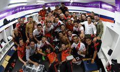 El festejo de #River en el vestuario con la copa. Una vez más el Millonario se adueñó del #Superclásico by carpoficial