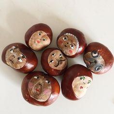 kastanien-basteln-kastanienmännchen-gesichter-aufmalen-lustig chestnut-tinker-chestnut male-faces-paint on-funny Easy Fall Crafts, Fall Crafts For Kids, Easy Christmas Crafts, Fall Diy, Toddler Crafts, Halloween Crafts, Diy For Kids, Kids Crafts, Wood Crafts