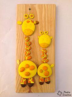 Diy african giraffe in rock painting Stone Crafts, Rock Crafts, Clay Crafts, Arts And Crafts, Rock Painting Patterns, Rock Painting Ideas Easy, Rock Painting Designs, Kids Art Class, Art For Kids