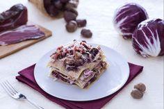 Le lasagne con radicchio, crema di castagne e speck sono un primo piatto dal gusto dolce e amaro che racchiude tutti i sapori e i profumi dell'autunno