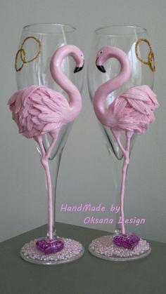 Flamingo wedding glasses. by ToujourGlamour on Etsy