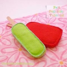 Make your kids own play food #Felt Popsicle #Tutorial and Free Patterns {OneCreativeMommy.com}