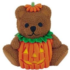 This cutest little trick or treater would be the center of attention on your Halloween buffet table. Our Stand-Up Cuddly Bear Pan cake is covered with a fondant jack 'o lantern costume, complete with hat and stem. Who could resist this sweet fellow?