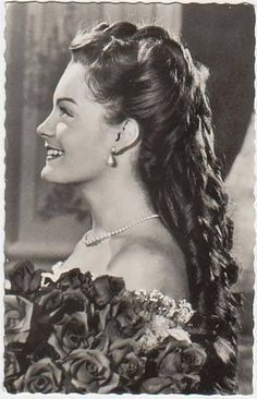Elisabeth ''sissi'' of Austria Played by actress Romy Schneider Sissi Film, Impératrice Sissi, Princesa Sissi, Classic Hollywood, Old Hollywood, Empress Sissi, Kaiser Franz, Photo Portrait, Actrices Hollywood