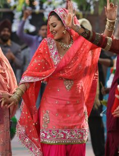 Love the colour combination: Son of Sardar. Pink punjabi suit. #punjabisuit #pinkpunjabisuit #sonakshisinha