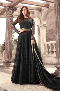 Looking to buy Anarkali online? ✓ Buy the latest designer Anarkali suits at Lashkaraa, with a variety of long Anarkali suits, party wear & Anarkali dresses! Anarkali Dress, Pakistani Dresses, Indian Dresses, Gown Dress, Lehenga, Black Anarkali, Cap Dress, Pakistani Suits, Dress Set