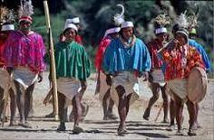 Tarahumaras en marcha.
