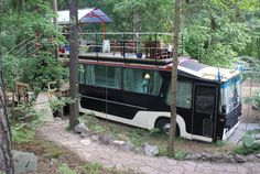 11 Converted Guesthouses: Trucks, Caravans, Planes, Trains & Wagons to Rent on Airbnb Home Improvement Mechanic & Friends Van Camping, Camping World, Stockholm, Converted Vans, Hotels, Places To Rent, Beautiful Forest, Camper Conversion, Restaurant