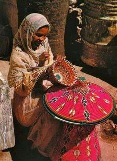 Asuán o Aswan es la ciudad más meridional de Egipto, en la margen oriental del Nilo, a la altura de la primera catarata