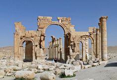 UNESCO UPOZORAVA: Uništenje Palmire bi bio ogroman gubitak za svet! http://aktuelno.net/vesti/svet/Unesko-zabrinut-zbog-moguceg-unistavanja-Palmire/cl/254859… #UNESCO #Palmyra #Syria
