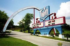 Twin Drive-In Theatre Sign (Photo by Todd Franklin) Independence, Missouri Drive Inn Movies, Drive In Movie Theater, Twin Drive In, Independence Missouri, Old Signs, Googie, Back In The Day, Abandoned Places, Kansas City