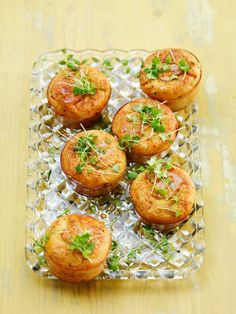 polenta muffins meet asparagus and parmezan Vegetarian Recipes, Cooking Recipes, English Food, 20 Min, Polenta, Tapas, Scones, Food To Make, Sandwiches