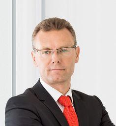 Pascal Houdayer zastąpi Hansa Van Bylena na stanowisku wice-prezesa odpowiedzialnego za sektor Henkel Beauty Care -   Pascal Houdayer (46), obecnie Corporate Senior Vice President w dziale Laundry & Home Care (środków piorących i czystości), z dniem 1 marca 2016 wejdzie w skład światowego zarządu firmy Henkel, a od 1 maja 2016 zastąpi Hansa Van Bylena (54), na stanowisku wice-prezesa odpowiedzialnego za se... http://ceo.com.pl/pascal-houdayer-zastapi-hansa-va