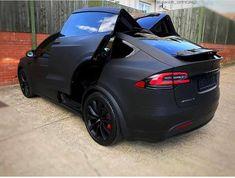 Badass matte black Tesla Model X Tesla Roadster, Bugatti, Tesla Model X, My Dream Car, Dream Cars, Supercars, Carros Lamborghini, Hd Samsung, Oxford City