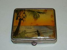 Compacts--Souvenir of Florida