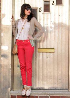 Zara pants. I want these. hehe.
