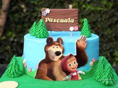 Masha Cake, Masha Et Mishka, Fruit Buffet, Masha And The Bear, Birthday Cake, Birthday Parties, Bear Cakes, Decorating Tips, Fondant