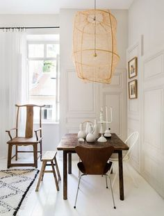 Dining rooms don't have to be formal or stuffy. We're all about a boho chic dining space, too! Check out these 40 dining rooms that master boho interior design. For more dining room design ideas, go to Domino! Dining Room Inspiration, Interior Inspiration, Design Inspiration, Cafe Interior, Interior Design, French Apartment, Piece A Vivre, Dining Room Design, Dining Rooms