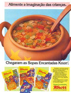 """As Sopas Encantadas Knorreram destinadas ao público infantil e tinham 03 versões: O mundo dos brinquedos, Aventura na Selva e Mergulho no Mar. Na minha lembrança essa sopa era um prato com muita água """"suja"""", temperada com """"sachê de miojo"""" e umas letrinhas coloridas muito legais. Era a tentativa da minha mãe tentar me fazer [...]"""