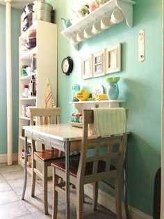 Small space kitchen table ideas small kitchen table ideas small kitchen t. Small Space Kitchen, Small Space Living, Big Kitchen, Vintage Kitchen, Small Kitchen Tables, Country Kitchen, Small Dining Area, Teal Kitchen, Shabby Chic Kitchen