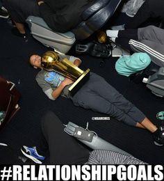 Stephen Curry shows off relationship goals. #Warriors - http://nbafunnymeme.com/nba-memes/stephen-curry-shows-off-relationship-goals-warriors