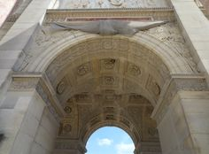 View through the internal arches and details of the Arc de Triomphe du Carrousel  Want to learn more? Go to www.eutouring.com/images_arc_de_triomphe_du_carrousel.html