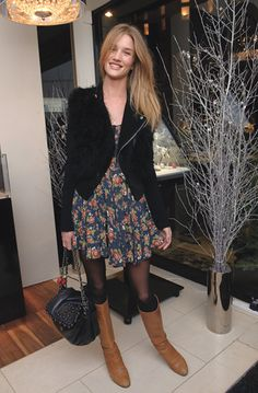 Rosie Huntington-Whiteley wearing Chanel Lambskin Flap Bag with Resin Pearls, Christian Louboutin Cognac Leather Boots, Free People Sweet Snap Dragons Dress and Topshop Floral Grunge Dress. Rosie Huntington Whiteley, Fashion Tag, Star Fashion, Womens Fashion, Sweet Style, My Style, School Dress Code, Grunge Dress, Ideias Fashion