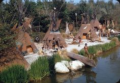 vintage everyday: This is What the tepees in Disneyland Looked Like in the Vintage Disneyland, Disneyland Trip, Disneyland Resort, Disney Vacations, Disneyland History, Walt Disney Land, Disney Magic, Disney Parks, Disney Rides