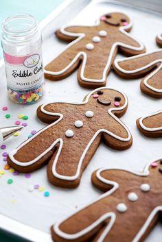 The Perfect Gingerbread Cookie via Sweetpolita