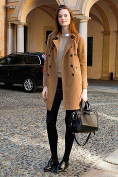 Models Off Duty: El abrigo camel Irina Kulikova
